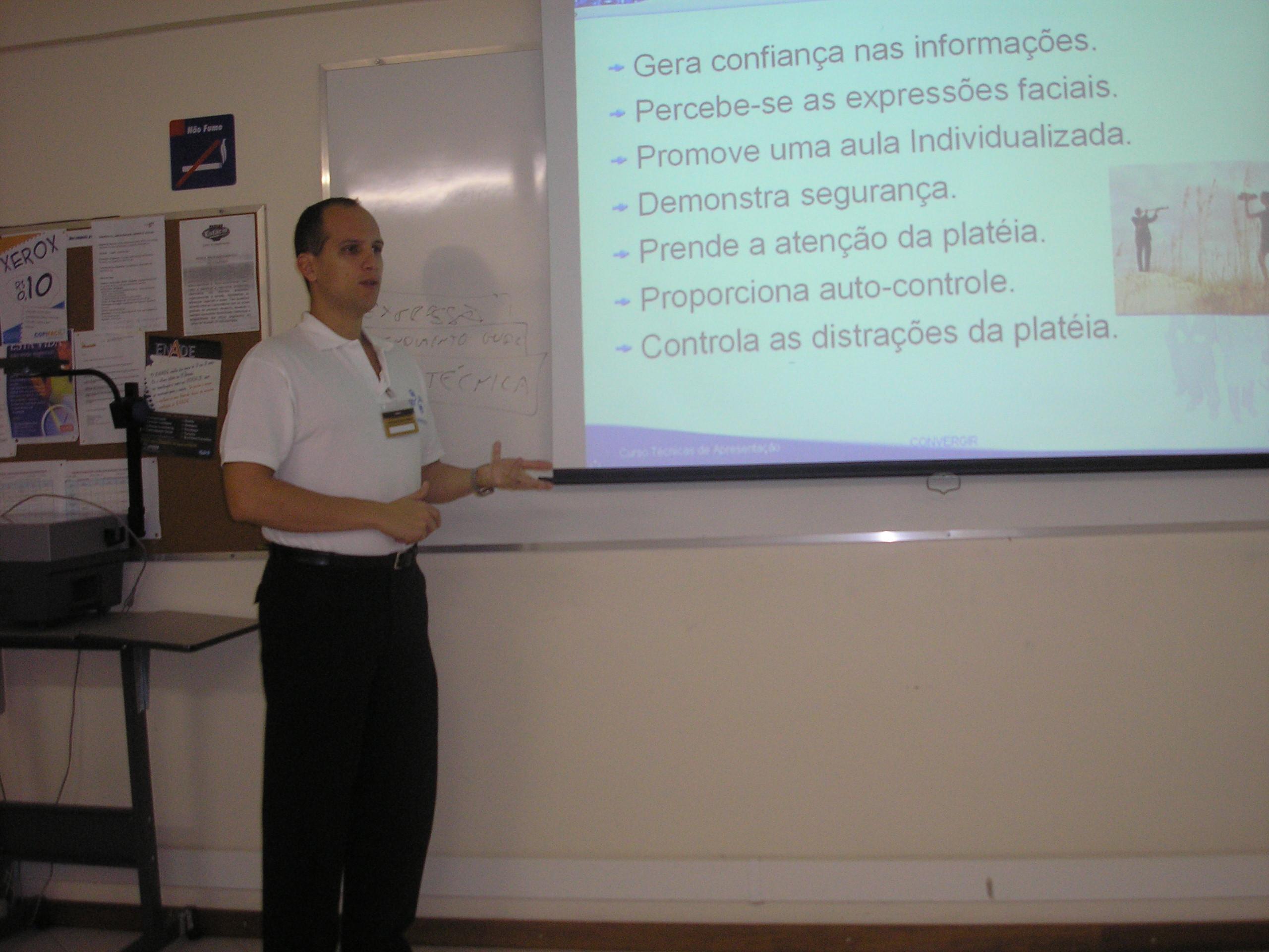 Curso Técnicas de Apresentação Claudio Moreira